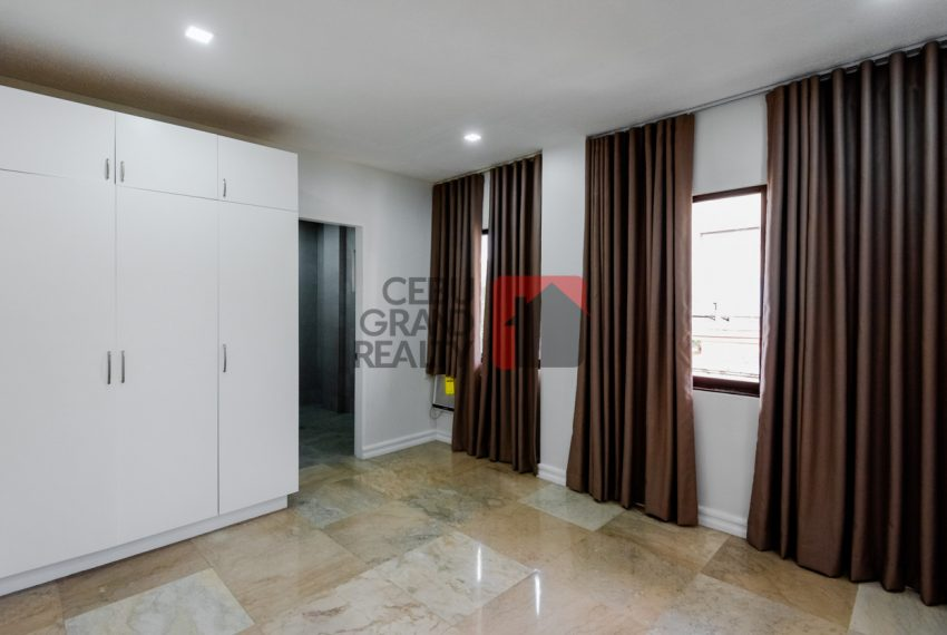 RHNT28 Renovated 8 Bedroom House for Rent in North Town Homes - Cebu Grand Realty (23)