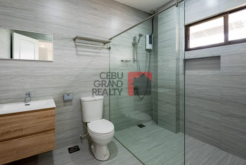 RHNT28 Renovated 8 Bedroom House for Rent in North Town Homes - Cebu Grand Realty (24)