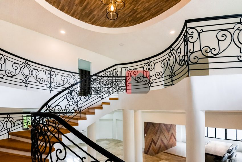 RHNT28 Renovated 8 Bedroom House for Rent in North Town Homes - Cebu Grand Realty (6)