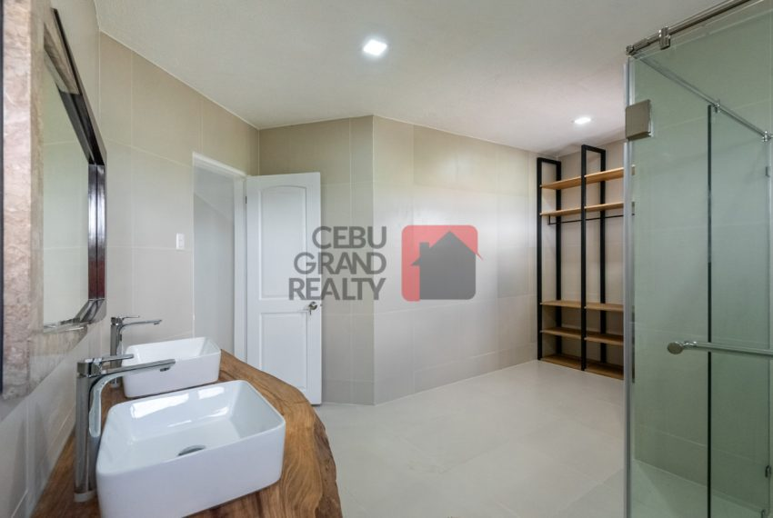 RHNT28 Renovated 8 Bedroom House for Rent in North Town Homes - Cebu Grand Realty (9)