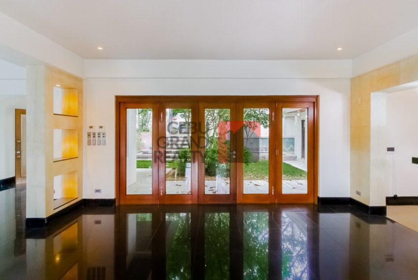 SRBML75 Overlooking 4 Bedroom House for Sale in Maria Luisa Park - Cebu Grand Realty (4)