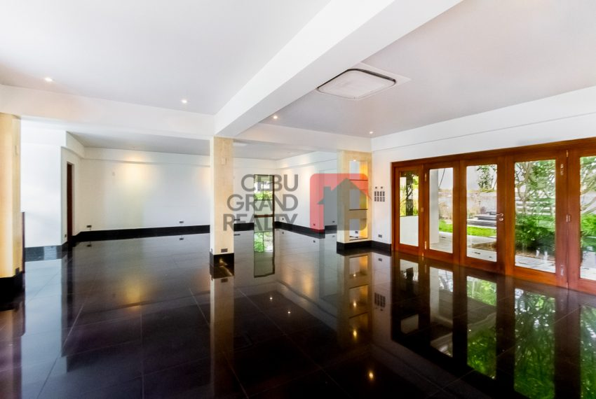 SRBML75 Overlooking 4 Bedroom House for Sale in Maria Luisa Park - Cebu Grand Realty (5)