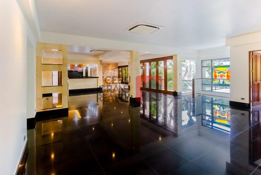 SRBML75 Overlooking 4 Bedroom House for Sale in Maria Luisa Park - Cebu Grand Realty (6)