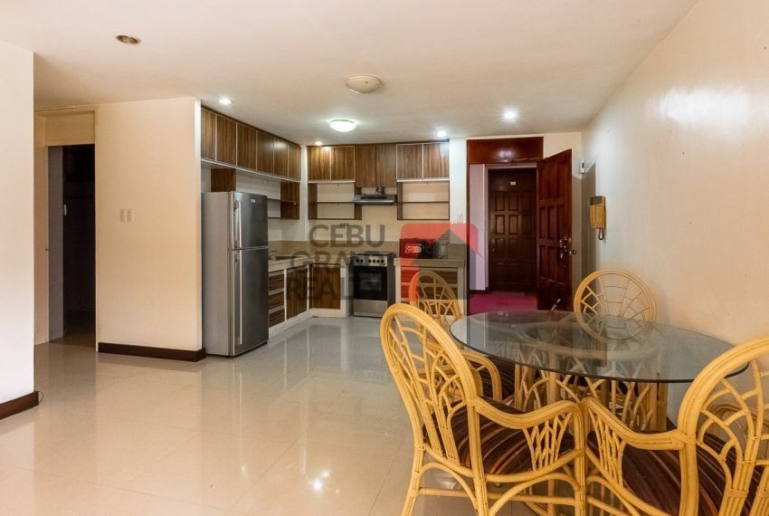 SRBREC1 - Large 2 Bedroom Condo for Sale in Regency Crest Condominium - Cebu Grand Realty (2)