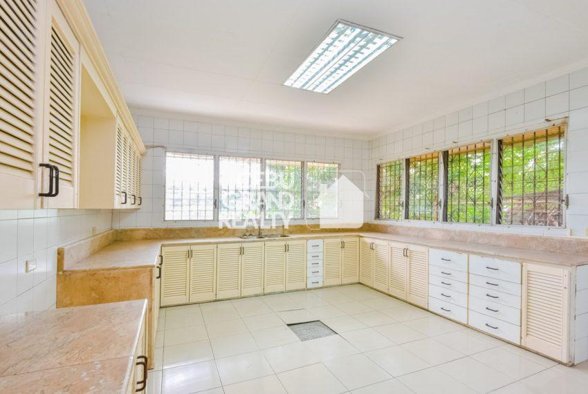RHBH2 Spacious 5 Bedroom House in Beverly Hills in Lahug - Cebu Grand Realty (16)