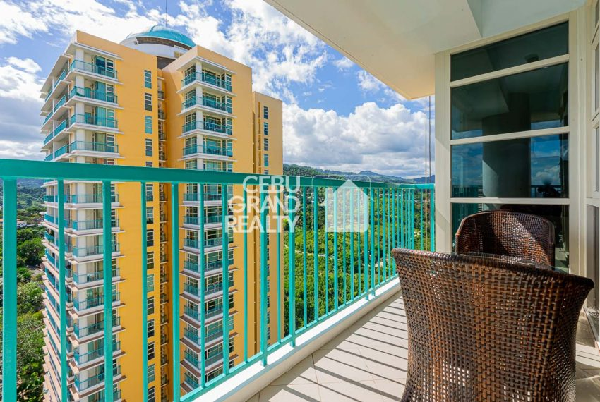 SRBCL6 Furnished 2 Bedroom Condo for Sale in Citylights Gardens - Cebu Grand Realty (3)