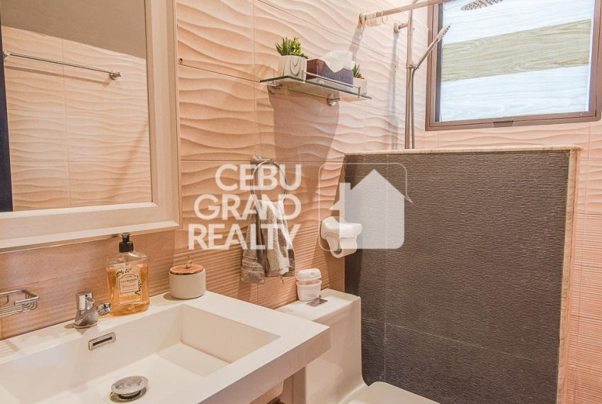 RHSH6 Furnished 5 Bedroom House for Rent in Silver Hills Subdivision- Cebu Grand Realty (10)
