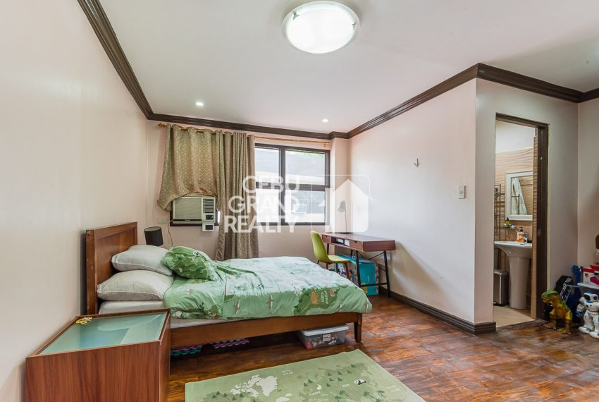 RHSH6 Furnished 5 Bedroom House for Rent in Silver Hills Subdivision- Cebu Grand Realty (13)