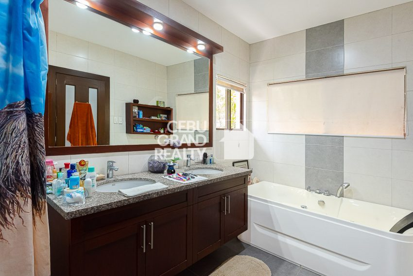 SRBSH3 Overlooking House for Sale in Silver Hills - Cebu Grand Realty (22)